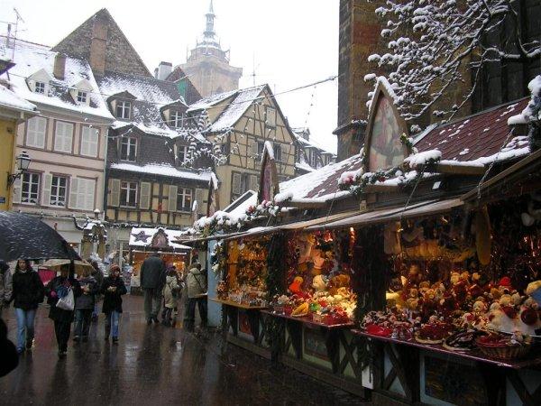 http://ancarpost.org/galleries/Alsace/noel/003_Colmar_Marche_de_Noel.jpg